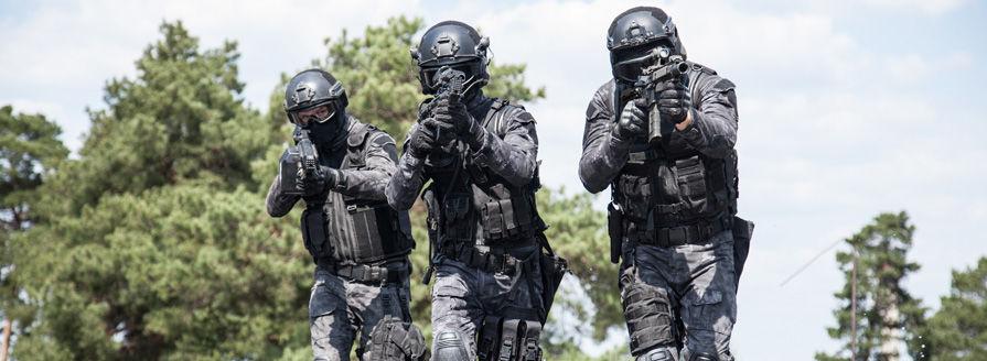 dfe6501f6 Taktické oblečenie má svoju históriu hlavne v armáde a bez neho si  nedokážeme predstaviť žiadneho vojaka, či člena ozbrojenej zložky.