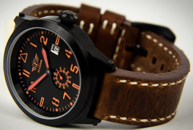 pozerá 1 návštevník Flieger hodinky s koženým remienkom 23db4db4229