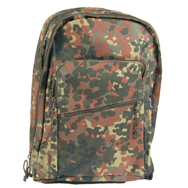 pozerajú 3 návštevníci Mil-Tec DayPack ruksak flecktarn 528425fd094